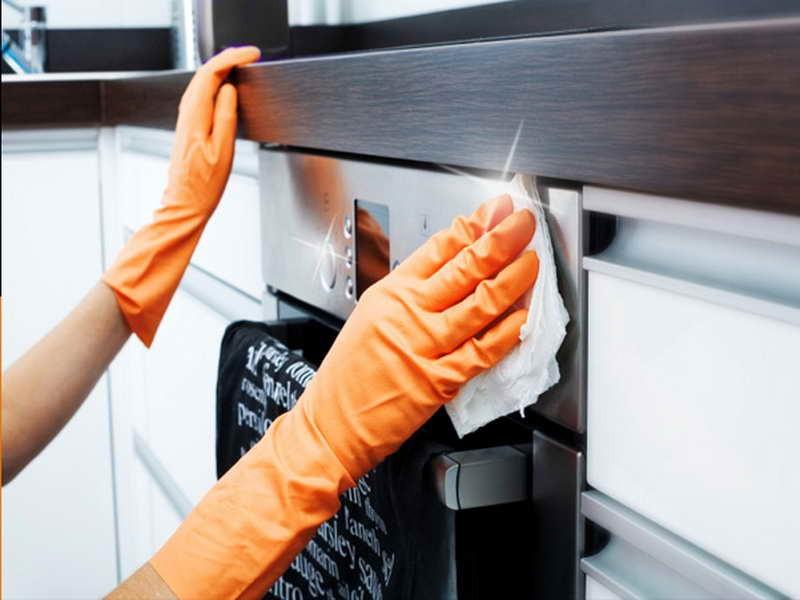 Bí quyết làm sạch lò nướng đơn giàn tiết kiệm